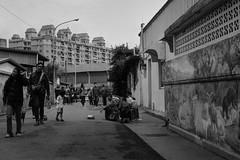 (takeda.L) Tags: gr2 街拍 黑白 台灣 裁切 ricoh