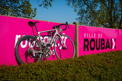 Canyon at Roubaix Velodrome (Torsten Frank) Tags: canyon fahrrad frankreich nordpasdecalaispicardie parisroubaix radfahren radrennen radsport rennrad roubaix ultimatecfslx velodrom bike bicycle roadbike cycling