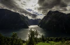 The intersect (Askjell) Tags: fjords geiranger geirangerfjord hellesylt norway sunnmøre åkerneset