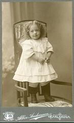 Girl on a chair (DameBoudicca) Tags: sweden sverige schweden suecia suède svezia スウェーデン karlskoga portrait porträtt porträt retrato ritratto 肖像 vintage old cdv girl flicka mädchen fille 少女 child barn kind enfant niño bambino 子供 子 albinandersson