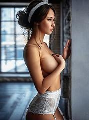 Sexy women (waboboy2) Tags: handbra