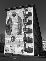 Balcons en prou (GastonGraphy) Tags: monochrome balcons fresque art urbanart streetphotography architecture noiretblanc blackandwhite immeuble ombres shadows