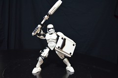 Lego Custom FN 2199 First Order Storm Trooper Constraciton Figure with Riot Baton and Shield (boyzwiththemosttoyz) Tags: stormtrooper lego star wars fn2199 finn firstorderstormtrooper firstorderriotbaton riotshield firstorderriotstormtrooper theforceawakens thelastjedi