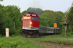 Off to Hearst (GLC 392) Tags: acr algoma central rail tours agawa canyon railroad railway train passenger sault ste marie on ontario emd f40ph2 ski cn canadian national 106 trees canada soo