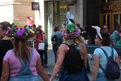 IMG_6770 (neatnessdotcom) Tags: easter bonnet parade 2017 hats costumes new york city 5th avenue manhattan nyc tamron 18270mm f3563 di ii vc pzd canon eos rebel t2i 550d