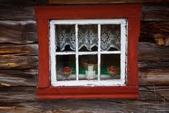 Window 2 (estenvik) Tags: wood autumn oktober house fall window norway norge log cabin october farm weathered srtrndelag rros hst vindu 2014 tmmer seter stl vrbitt brekken tmmerhytte lafta seterhus estenvik erikstenvik solsvidd tmra seterskjul