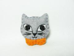 Tiny cat felt brooch (hanaletters) Tags: dog girl cat pin handmade brooch pug felt dachshund etsy hanaletters