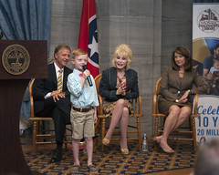 9-30-14 Governor Bill Haslam, First Lady Crissy Haslam, Governor Phil Bredesen and Dolly Parton celebrate the 10 year anniversary of the Governor's Books from Birth Foundation (Governor Bill Haslam) Tags: tn nashville dollyparton governorphilbredesen 93014 governorbillhaslam firstladycrissyhaslam governorsbooksfrombirthfoundation
