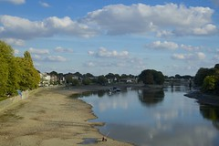 Dry Thames 1 (ianwyliephoto) Tags: thames river tide lowtide chiswick strandonthegreen portoflondonauthority londonw4