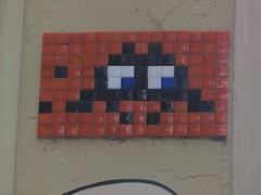 Space Invader KLN_08 (tofz4u) Tags: orange streetart black germany tile noir mosaic spaceinvader spaceinvaders cologne kln invader allemagne deutchland mosaque artderue kln08