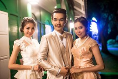 ให้บริการชุดไทยย้อนยุคพิธีกร - เช่าชุด ชลบุรี