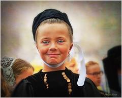 Le Croisty - Morbihan - Août 2014 (Philippe Hernot) Tags: lecroisty morbihan 56 bretagne france coiffe traditions costumes philippehernot kodachrome pourleth2cvclub pourleth bretonne portrait costumebreton nikond700 nikon posttraitement