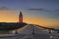 Torre de Hrcules (Chencho Mendoza) Tags: de rojo nikon torre dia mundial corazon hrcules d610 chenchomendoza