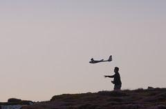 Lancement (jfgornet) Tags: silhouette contrejour avion modlerduit mg0423