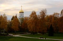 Autumn evening / Осенний вечер (Boris Kukushkin) Tags: autumn light red orange church evening orthodox minsk