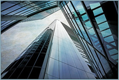 Near the Commerzbank Headquarters (Norman Foster), Frankfurt, Francfort, Hesse, Deutschland, Germany, Allemagne (claude lina) Tags: building architecture germany deutschland frankfurt normanfoster allemagne ville francfort hesse commerzbankheadquarters