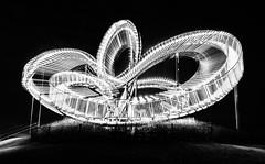 Roller Coaster (in explore) (tan.ja1212) Tags: tigerturtle achterbahn halde monochrom schwarzweis kurven curves looping skulpture nacht night abend evening licht light rollercoaster