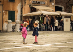 Making Friends (Vic Zigmont) Tags: tuscany lucca children