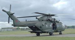AGUSTA WESTLAND MERLIN HC3A ZJ 995 (Fleet flyer) Tags: agustawestlandmerlinhc3azj995 agustawestlandmerlinhc3a agustawestlandmerlin agustawestland merlinhc3a zj995 agusta westland merlin hc3a abingdon country show oxfordshire helicopter abingdonairandcountryshow raf royalairforce