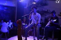 Shine Acoustics (AR's Photography) Tags: music live acoustic guitar shinecoffee phuhoa thudaumot binhduong vietnam evening sing singer entertainment band