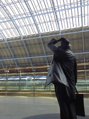 Looking up (Pat's_photos) Tags: london stpancras station statue betjamin
