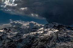 Cimes en Ébullition 2/2 (Frédéric Fossard) Tags: nuage contraste lumière ombre altitude cime crête arête pointedelamasse vanoise alpes savoie lesmenuires atmosphère dramatique massifenneigé neigedeprintemps stationdeski les3vallées paysagedemontagne massifmontagneux