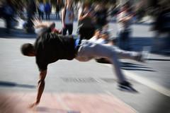 Evoluzioni (Maurizio Belisario) Tags: ballerini dancers ballo dance roma rome foriimperiali breakdance salto jump music musica artistidistrada show spettacolo