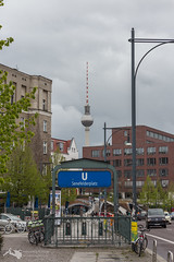 Sehnefelder Platz (hrolapp) Tags: berlin senefelderplatz ubahn deutschland de
