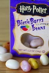 Todos los Sabores (Jos Ramn de Lothlrien) Tags: beans hp candy manzana cinnamon magic harrypotter jr vomito jellybelly pimienta dulce magia flavours cerilla golosina cereza fantasa producciones harrypotterbertiebottseveryflavourbeans