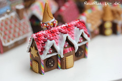 Miniature Gingerbread Houses - Christmas 2014 (PetitPlat - Stephanie Kilgast) Tags: christmas weihnachten miniatures miniatureart small noel polymerclay gingerbreadhouse foodart miniaturefood miniaturehouse miniaturesculpture fimoart christmas2014