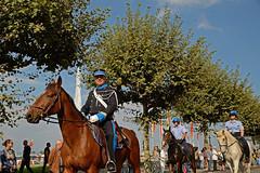200 ans de la police Genevoise_0026 (Yves.Henchoz) Tags: costumes horse history cheval switzerland suisse swiss police svizzera genve chevaux historique