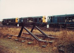 Buffer Stops (ee20213) Tags: condemned britishrail choppers withdrawn 20179 20183 20217 brblue class20 stantongate d8183 d8317 d8179