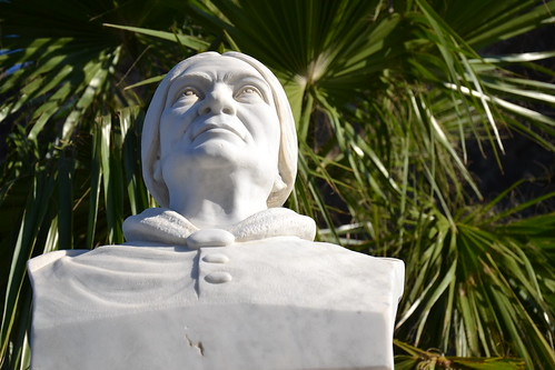 A statue of the actress Giacinta Pezzana