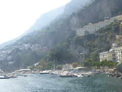 "Amalfi coast <a style=""margin-left:10px; font-size:0.8em;"" href=""http://www.flickr.com/photos/104703188@N06/15434054081/"" target=""_blank"">@flickr</a>"