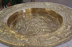 Baptismal font (:Linda:) Tags: man church yellow germany golden town kirche thuringia relief brass baptismalfont erntedankfest christuskirche hildburghausen taufstein germanthanksgiving