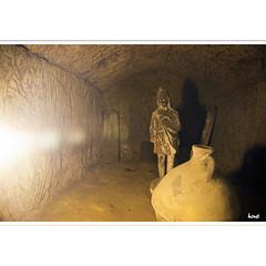 Nicht nur Wein ... (horstmall) Tags: italien grave keller town italia tomb vine tuscany stadt amphore amphora cave vin montepulciano toscana grab cellar italie ville vino citta wein toskana sepulchre etrusci etrusker stdtchen etruskisch horstmall