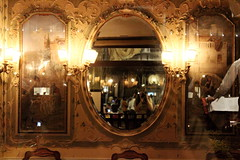 Caf Florian (lilasyuri) Tags: plaza venice light summer italy history monument caf st night painting mirror spring italian europa europe italia european place august marc historical marco florian venise venezia printemps italie aot selfie