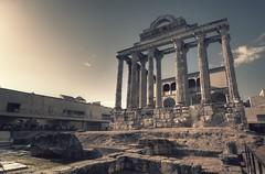 DIANA, DEA LVNARE ET SILVARVM (Zearil) Tags: d7100 nikon ruins roman hunting moon goddess architecture mérida temple ruinas romano hispania diosa arquitectura merida diana templo