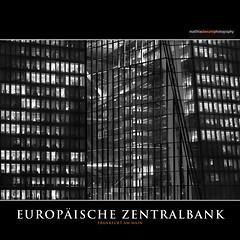 EUROPÄISCHE ZENTRALBANK (Matthias Besant) Tags: frankfurt frankfurtammain hochhäuser skyscraper bankenviertel matthiasbesant matthiasbesantphotography himmel sky nacht night dunkelheit dunkel nachtaufnahme licht lichter beleuchtet beleuchtung light lights ezb europäischezentralbank