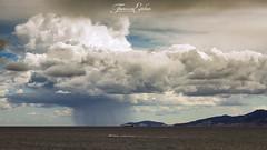 Viento del norte (Franci Esteban) Tags: norte vientodelnorte estrechodegibraltar cortina cortinadeagua parquenaturaldelestrecho mar mediterraneo nubes cloud tarifa