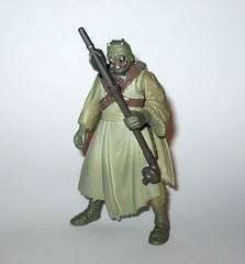 tusken raider with gaderffi stick battle club star wars power of the force 2 red card 1996 collection 2 basic action figures hasbro 2c (tjparkside) Tags: tusken raider with gaderffi stick battle club star wars power force 2 red card 1996 collection basic action figures hasbro potf2 potf two figure tatooine ep episode 4 iv four new hope sw anh removable cloak sandperosn sandpeople raiders cardback