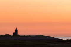 Wierum after sunset (Pieter ( PPoot )) Tags: waddenzee wierum zonsondergang dijk kerk fotograaf schapen