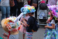 IMG_6860 (neatnessdotcom) Tags: easter bonnet parade 2017 hats costumes new york city 5th avenue manhattan nyc tamron 18270mm f3563 di ii vc pzd canon eos rebel t2i 550d
