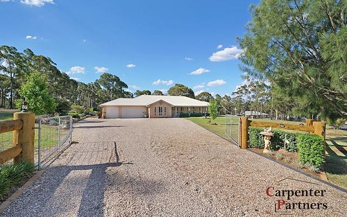 10 Albert Kench Pl, Buxton NSW