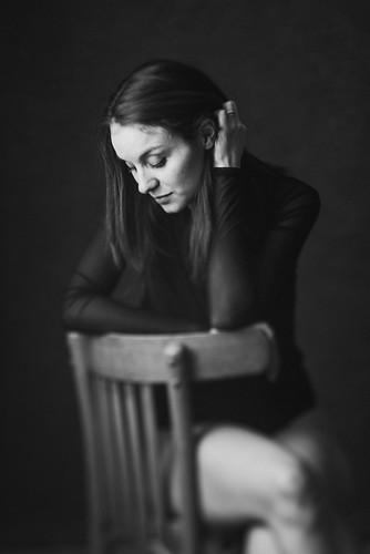 Elodie - In Body Tilt