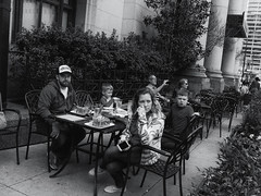 parkway (philly 2017) (Thrift Store Camera) Tags: philadelphia philly street photographer photo journal parkway familyeating dinner lunch antimaga viewer