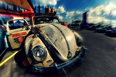 Rebellion (Steve.T.) Tags: vdub volkswagon rebellion carmeet empirediner automobile classiccar retro iconiccar iconic iconicvehicle blur nikon d7200 samyang8mmfisheyelens wideangle fisheyelens essex vw roofrack luggage volkswagonbeetle wolksvagen volkswaginn volkswagging
