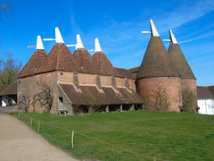 Oast Houses (Oxford Murray) Tags: oasthouse sissinghurst kent spring nationaltrust nt building heritage farming traditional