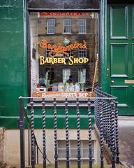 Barber shop #edinburgh #shotononeplus #outdoors #scotland #uk @oneplustech (Paco CT) Tags: instagramapp uploaded:by=instagram store storewindow outdoors edinburgh scotland uk streetphotography street pacoct 2017