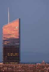 Lyon - coucher de soleil sur la tour Incity (Laetitia de Lyon) Tags: fujifilmxt10 lyon tour tower incity sunset coucherdesoleil